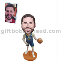 Custom Basketball Bobblehead Player with A Ball